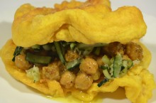 Double, bocadillo vegetal de garbanzos al curry de Trinidad y Tobago
