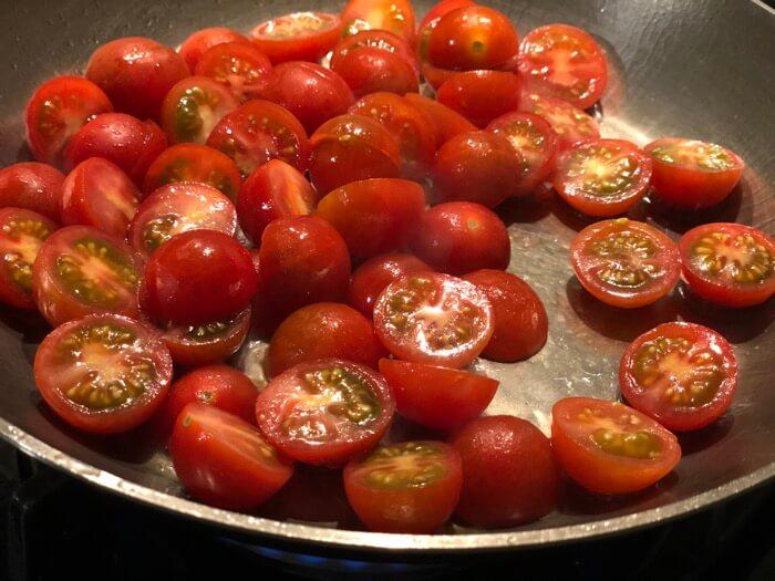 Añadir los tomates