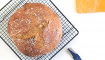 Pan integral de espelta sin amasado