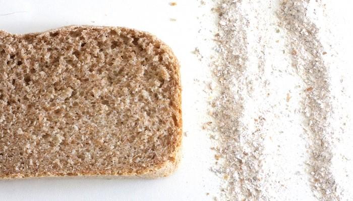 Pan en panificadora con centeno integral