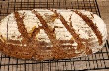 Receta de pan con mezcla de harinas y malta