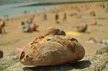 pan en la playa